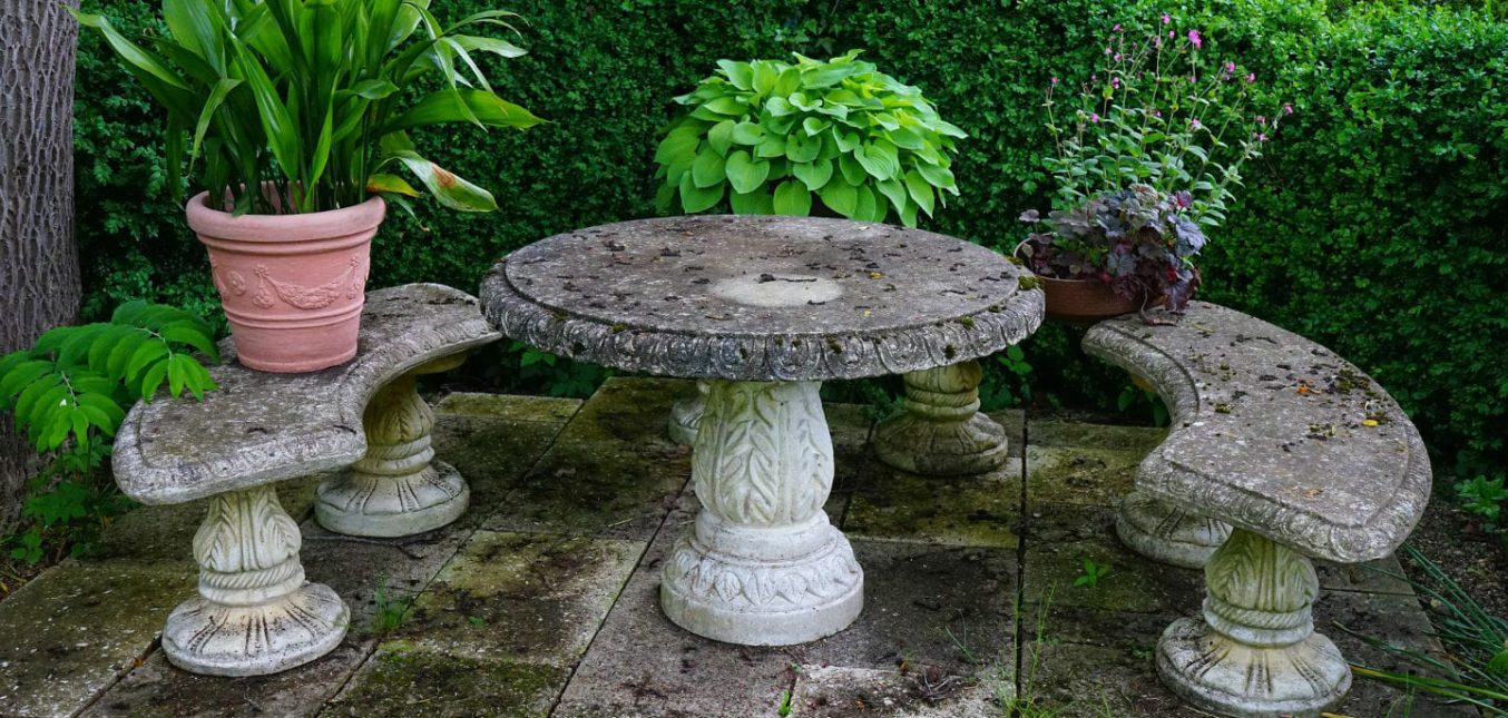 Table de jardin en pierre awesome table de jardin en for Table jardin en pierre