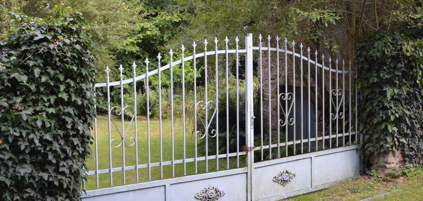 Découvrez les avantages d'installer un portail coulissant