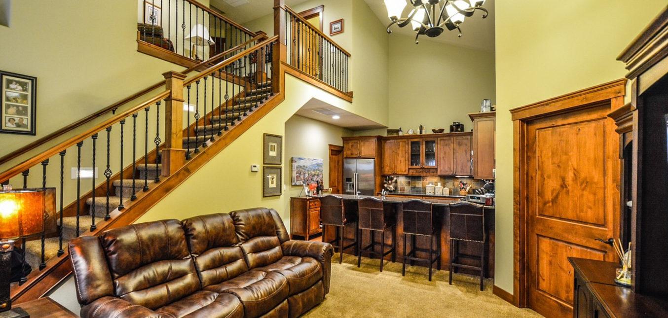 Comment réussir la conception de son meuble sous escalier sur mesure ?