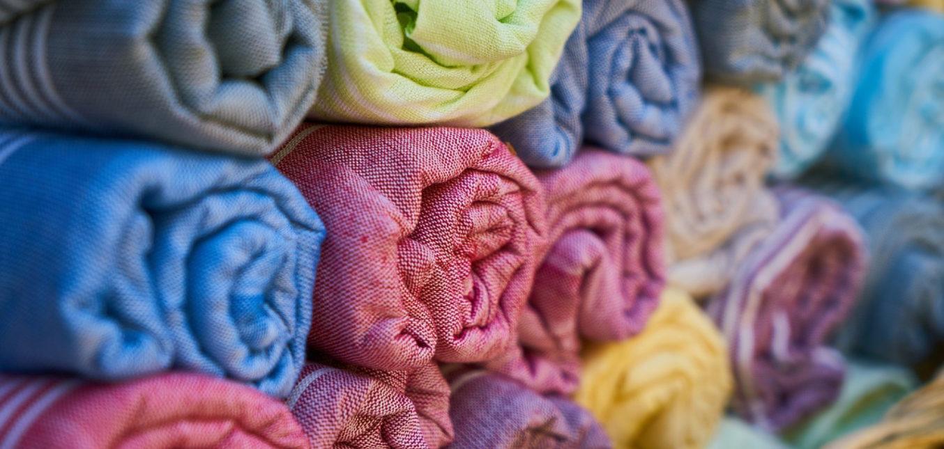 Décoration intérieure : pourquoi choisir des textiles en matières naturelles ?