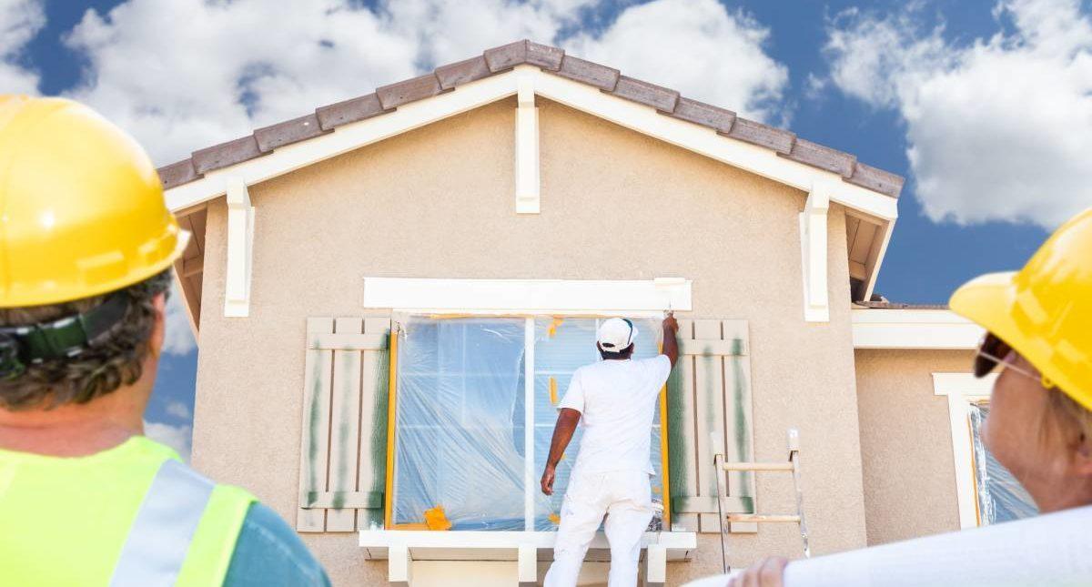 Peindre la façade d'une maison : que dit la loi ?