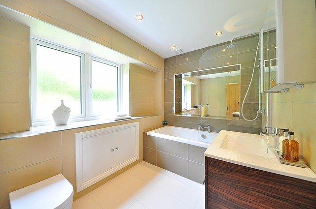 Rénover sa salle de bain en changeant la colonne de douche
