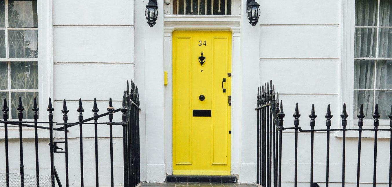 Choisissez votre porte d'entrée parmi une large collection ou personnalisez la vôtre